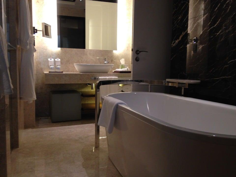 Sfeerverlichting in de badkamer - Elektricien Leiden